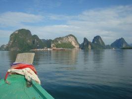 A boat trip towards Phang Nga, on the Andaman Sea – Thailand