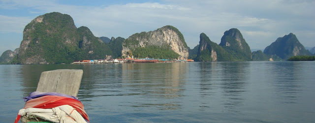 A boat trip towards Phang Nga, on the Andaman Sea – Thailand