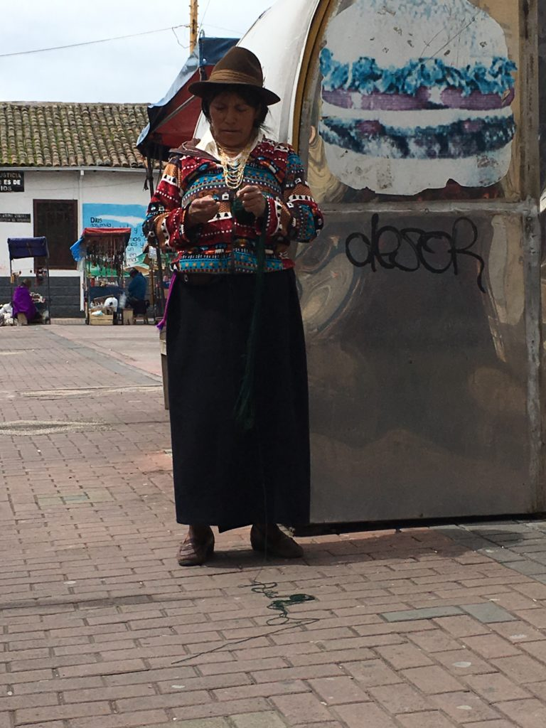 how-are-woman-ecuador