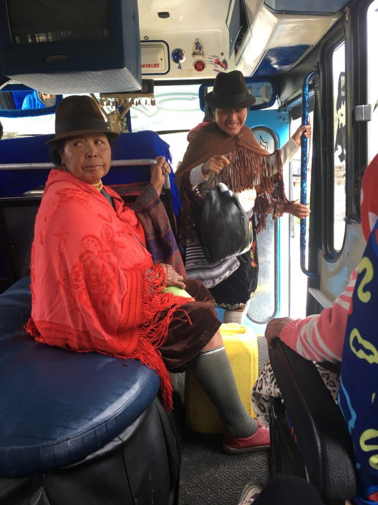 women bus ecuador