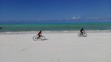 Zanzibar fai da te tra la gente, a bordo dei Dalla Dalla