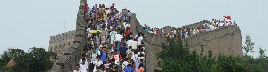 Vale la pena evitare completamente i posti turistici quando viaggiamo?