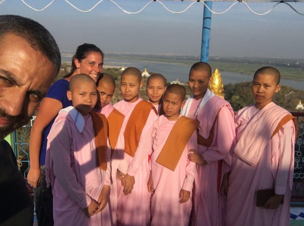 monache birmania