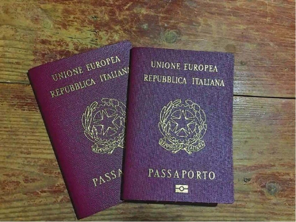 documenti per passaporto