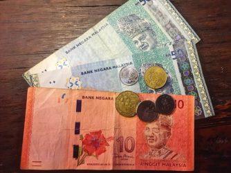 Prelevare in Malesia: carte o contanti?